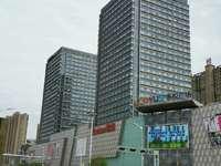 出售吾悦华府 125平米,三室两厅两卫,毛坯无税,128.8万住宅