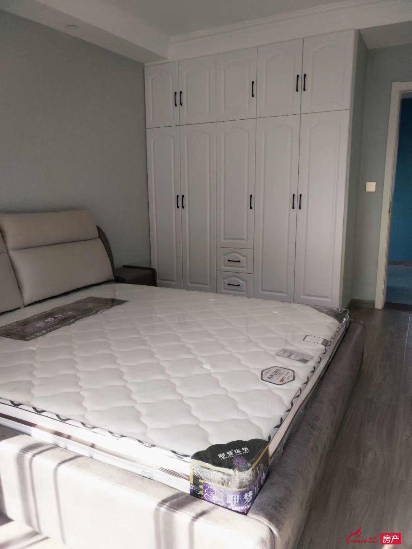 出租碧桂园3室2厅1卫98平米2200元/月住宅
