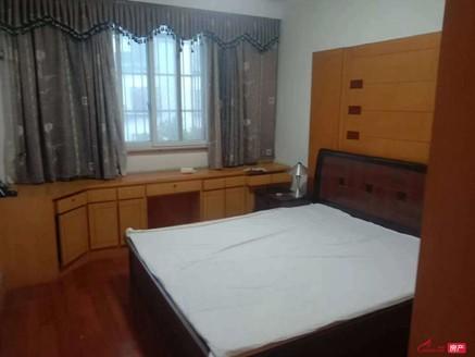 万善园二村3楼104平,三房两厅一卫,中装,无税82.8万