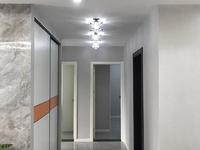 滨河凤凰城13楼110平方三室二厅全新豪华装修未入住家电家具齐全131.8万