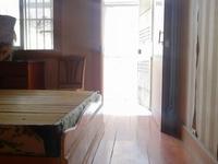 教师新村2楼92平方三室两厅一卫老精装独库71.8万