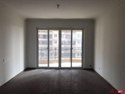 碧桂园10楼135平方三室二卫公司装修南北通透未入住满二年135万一手有钥匙