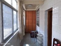新市口人才市场附近2楼100平方三室二厅一卫精装独库 月租金1400元