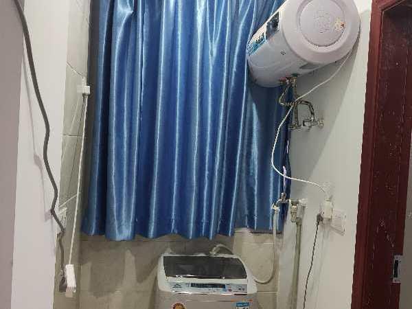 六中附近2楼1室1卫精装700元/月可短租17715982803