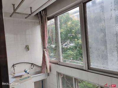 万善二村3楼105平老精装3室81.8万