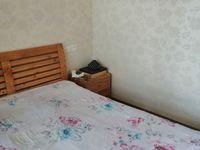 东方盛世7楼3室2厅2卫精装家电齐全1300元/月