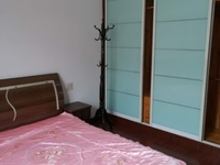 天福花园 3楼3室2厅2卫1800月2楼二室二厅1450月