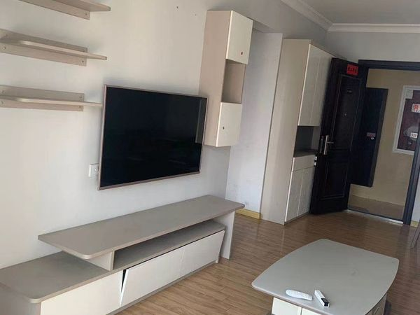 出租碧桂园1室2厅1卫68平米1700元/月住宅