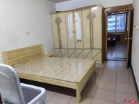 百花新村:简单装修 三室一厅 1200每月 18796038595