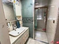 中心嘉园:简单装修 三室一厅 1200每月 18796038595