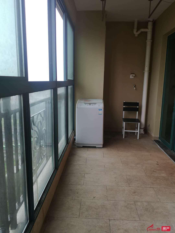 恒大名都 二期 黄金楼层 136平3房2卫 精装全配 2400元包物业